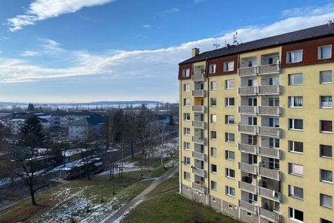 Prodej bytu 3+1 Milovice realitní makléř • realitní kancelář • realitní služby nejen v Praze3