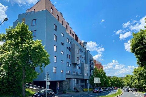Prodej bytu Jeremenkova, Praha realitní makléř v Praze, realitní kancelář2