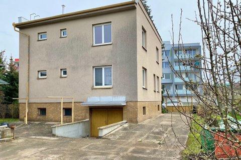 Prodej Rodinného domu Sadská realitní makléř • realitní kancelář • realitní služby nejen v Praze1