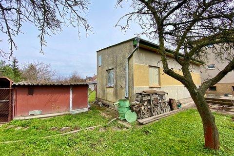 Prodej rodinného domu Sadská realitní makléř v Praze, realitní kancelář1