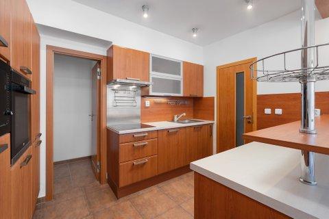 Prodej bytu v ulici Baarova BB centrum realitní makléř • realitní kancelář • realitní služby