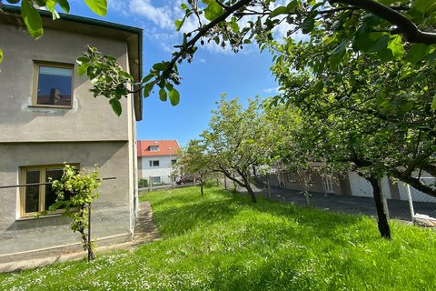 Prodej rodinného domu na Zahradním městě, realitní makléř • realitní kancelář • realitní