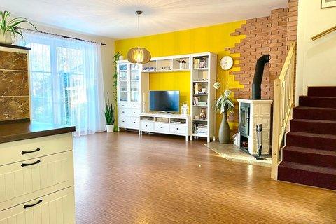 Prodej domu ve Veltrusech realitní makléř | realitní kancelář | reality Praha a okolí půdorys2