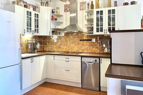 Prodej domu ve Veltrusech realitní makléř | realitní kancelář | reality Praha a okolí půdorys16