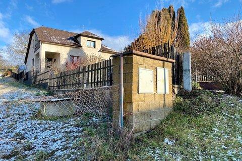 prodej stavebního pozemku v obci Hrusice realitní makléř   realitní kancelář   reality Praha a okolí