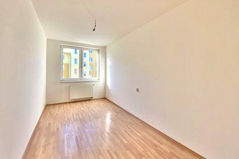 Pronájem bytu Velké Kunratické Praha realitní makléř • realitní kancelář • realitní služby nejen v P