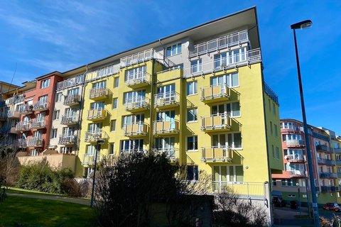 Pronájem bytu v Zeleném údolí realitní makléř   realitní kancelář   reality Praha a okolí 1233