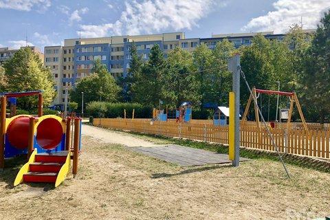 Sousední dětská hřiště