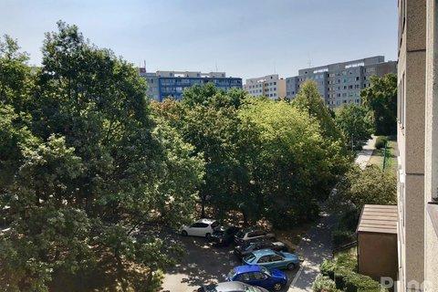 Výhled východní strana bytu