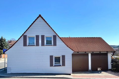 Prodej rodinného domu Frýdlant realitní makléř • realitní kancelář • realitní služby nejen v Praze2