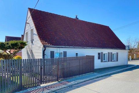 Prodej rodinného domu Frýdlant realitní makléř • realitní kancelář • realitní služby nejen v Praze4