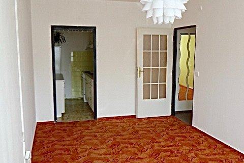 Prodej bytu 2+kk Rajmonova realitní makléř • realitní kancelář • realitní služby nejen v Praze8
