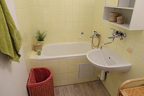Prodej bytu 2+kk Rajmonova realitní makléř • realitní kancelář • realitní služby nejen v Praze10