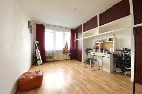 Prodej bytu 4+1 Louny realitní makléř • realitní kancelář • realitní služby nejen v Praze7