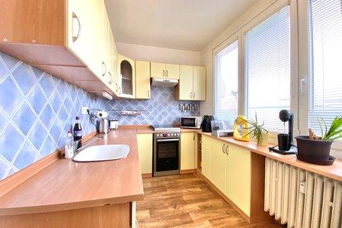 Prodej bytu 4+1 Louny realitní makléř • realitní kancelář • realitní služby nejen v Praze3
