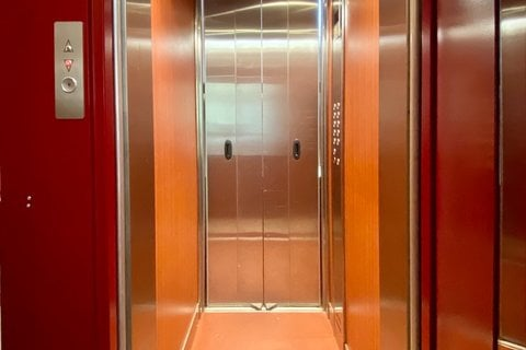 Prodej bytu 4+1 Louny realitní makléř • realitní kancelář • realitní služby nejen v Praze13
