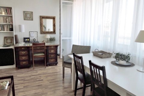 Prodej bytu 3+1 s lodžií Praha Stodůlky Petržílkova realitní makléř • realitní kancelář • realitní s