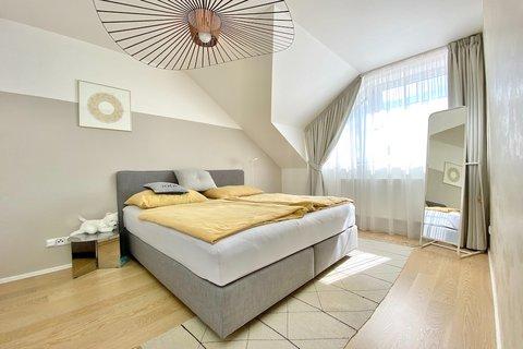 Prodej rodinného domu Březiněves realitní makléř • realitní kancelář • realitní služby nejen v Praze