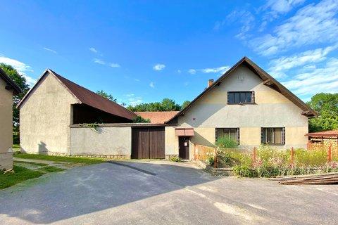 Prodej rodinného domu zemdělské usedlosti Chrastov Horní Cerekev realitní makléř • realitní kancelář
