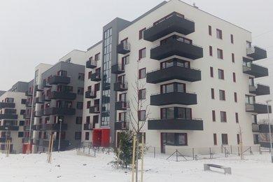Nabízíme k pronájmu prostorné garážové stání Brno – Líšeň , Houbalova, Ev.č.: 00245