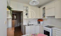 Prodej prostorného bytu 2+1, s možností snadné přestavby na 3+kk, 71 m² s krbem - Bílovice nad Svitavou