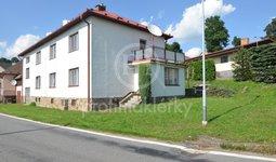 Velice prostorný RD se dvěma byty, velkým zázemím a zahradou, 590 m2, Sulkovec