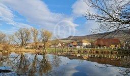 Prodej pozemků, celkem  9933 m², Dolní Věstonice
