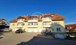 Pronájem prostorného bytu 2+kk, 54m² s parkovacím místem a klimatizací - Bílovice nad Svitavou