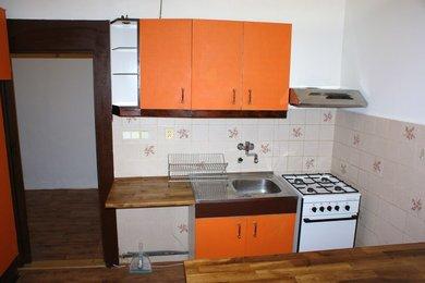 2+1, 50 m², P10, Strašnice, Černokostelecká, Ev.č.: AMP006725