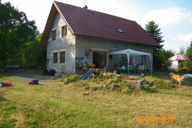 Prodej rekreačního domu na pozemku o výměře 2 126 m2, ulice Dobříšská, Mníšek pod Brdy, Ev.č.: 111555