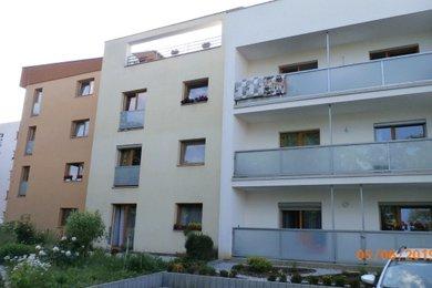 Prodej bytu 1+kk, 27 m2, novostavba, ulice Na Okraji, Hořovice, Ev.č.: RkBe36