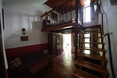 Atypický zařízený apartmán 2+kk přímo na metru, 38m², Praha 9 - Kyje, Ev.č.: N0025192