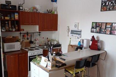 Pronájem 1+kk, 36m², Praha 4 - Kamýk, Ev.č.: BAB026