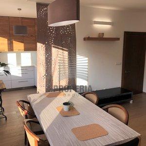Prodej zrekonstruovaného zděného bytu 2+kk, ul. Čápkova, Brno-střed - Veveří, CP 52 m2, 2x balkon, výtah, včetně zařízení.