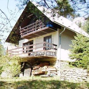 Zděná chata s garáží 4+1, obec Přibyslavice, Brno – Venkov, CP 608 m2