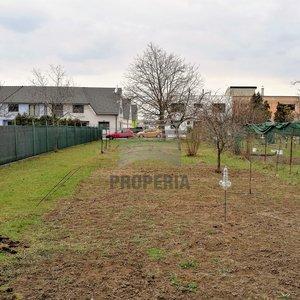 Prodej stavebního pozemku na ulici Brněnky, Brno - Slatina, CP 664 m2, inženýrské sítě, rovina.