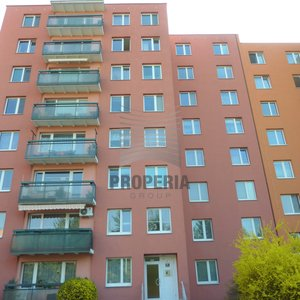 Prodej bytu v OV 3+1 + balkon, ul. Krymská, Brno - Starý Lískovec, CP 77 m2, dům po revitalizaci, výhled.