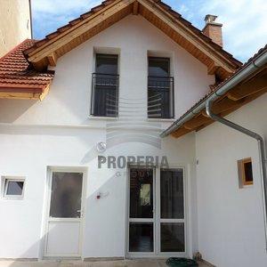 Prodej zrekonstruovaného řadového RD 4+kk, ul. Žleb, Neslovice (okr. Brno-venkov), CP 468 m2.