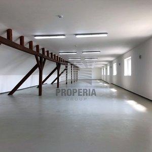 Pronájem skladu/kanceláře v nově zrekonstruovaném logistickém areálu v obci Želešice, ul. 24. dubna, okr. Brno-venkov, CP 300 m2, výtah, oploceno, alarm, vjezd kamionem, skvělá dostupnost na D1/D2/D52