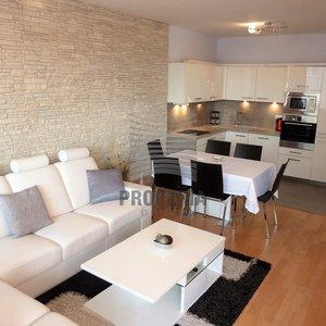 Pronájem plně zařízené novostavby bytu 3+kk, ul. Vodní, Brno-střed, CP 72 m2, velká lodžie, garážové stání