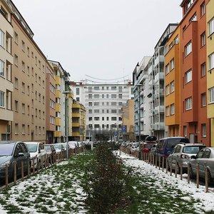 Pronájem, Byty 2+kk,  56m² + balkon + sklep, částečně zařízený