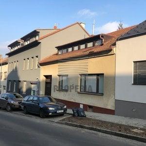 Prodej vícegeneračního RD s vlastním vjezdem o CP pozemku 390m2, Brno - Žabovřesky - ul. Králova