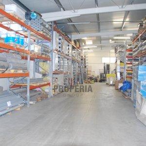 Pronájem skladu  s obsluhou + kanceláře + show room + prodejna + kontejnery na uskladnění