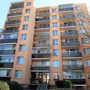 Prodej bytu v OV 3+1 + balkon, ul. Uzbecká, Brno - Bohunice, CP 67 m2, dům po revitalizaci, výhled.