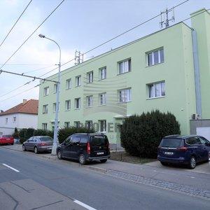 Prodej bytu v OV 1+kk, ul. Preslova, Brno-Pisárky, CP 31 m2 + 5 m2 sklep, dům po revitalizaci