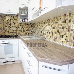 Prodej zrekonstruovaného bytu v OV 2+1 + balkon, ul. Štouračova, Brno - Bystrc, 5. p/8, CP 57 m2, šatna,dům po revitalizaci, dobré parkování, pěkný výhled