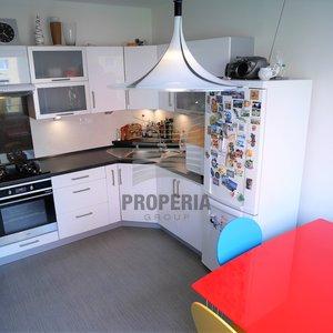 Prodej bytu DB 1+1 + zasklená lodžie, ul. Rerychova, Brno - Bystrc, CP 43 m2, 4.p/12, výtah, byt i dům po rekonstrukci