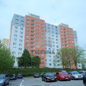 Prodej bytu OV 1+1 + zasklená lodžie, ul. Rerychova, Brno - Bystrc, CP 43 m2, 4.p/12, výtah, byt i dům po rekonstrukci
