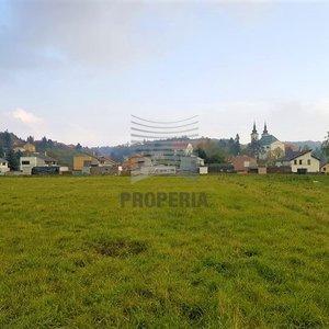 Stavební pozemek na samostatně stojící RD Vranov u Brna