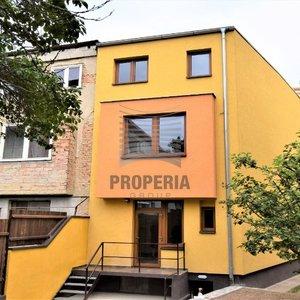 Prodej kompletně zrekonstruovaného rohového RD 5+1 se zahradou 167 m2, Brno – Královo Pole, ul. Palackého třída